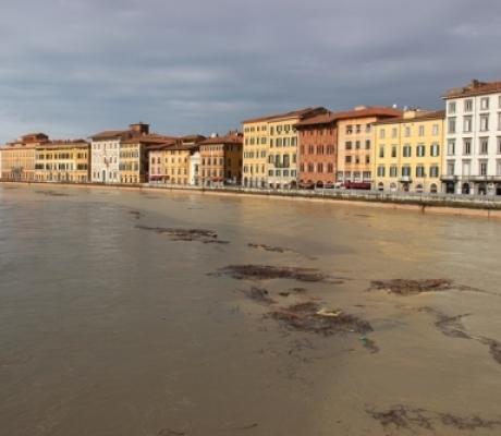 Emergenza maltempo in Italia con frane, esondazioni, tanta neve sulle Alpi e non è ancora finita