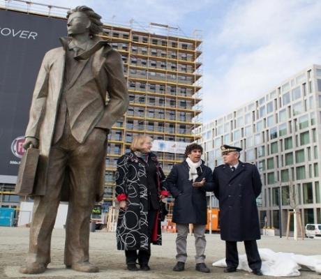 A Berlino il grande bronzo di Giampaolo Talani