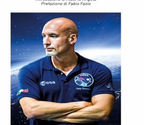 """""""Volare"""", il nuovo libro dell'astronauta Luca Parmitano"""
