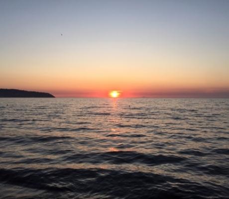 Riaperture spiagge, campeggi, ristoranti. Firmata ordinanza in Toscana con linee guida
