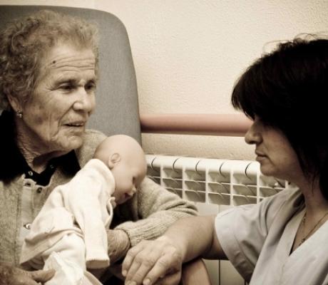 Deliberati interventi a favore degli anziani e delle loro famiglie
