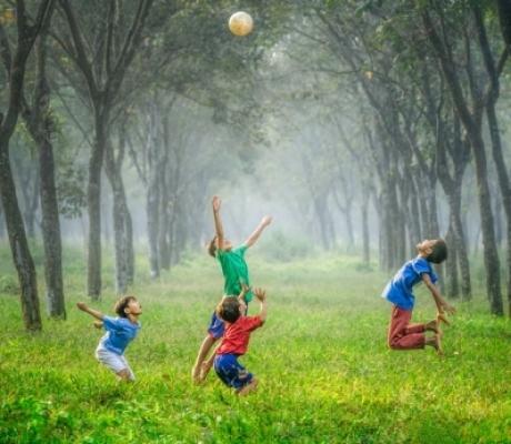 Come proteggere i bambini dalle infezioni della pelle in estate