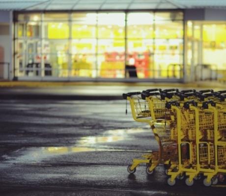 CRESCITA - Frenano i consumi in Italia, ma il tessuto commerciale della Toscana regge