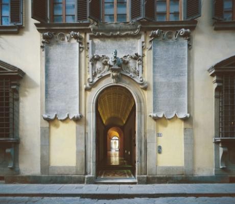 L'artista Lawrence Carroll arriva a Firenze per festeggiare i 40 anni della SACI