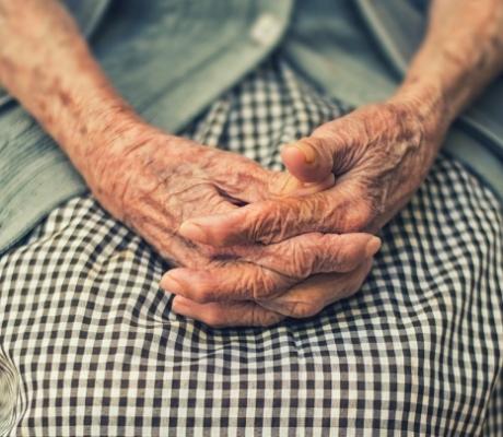 SANITA' - Ministro Speranza istituisce commissione assistenza anziani, presidente sarà Mons. Paglia
