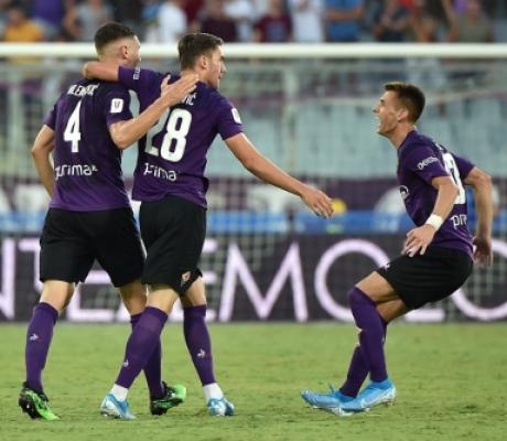 La Fiorentina piega il Monza 3-1 con doppietta di Vlahovic e Chiesa