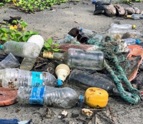 Divieto utilizzo plastica sulle spiagge della Toscana
