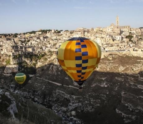Tragedia a Matera, due morti al Balloon Festival. Manifestazione annullata
