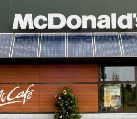 LAVORO - Firenze, McDonald's cerca 30 persone