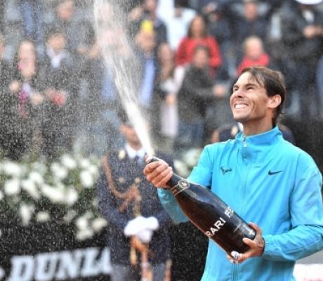 TENNIS - Nadal vince il nono titolo al Foro Italico, battuto Djokovic