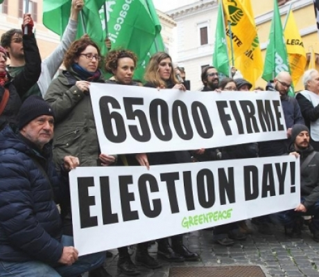 Legambiente e Greenpeace chiedono al governo l'election day per referendum trivelle