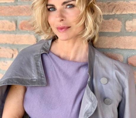Martina Colombari al Barberino Designer Outlet