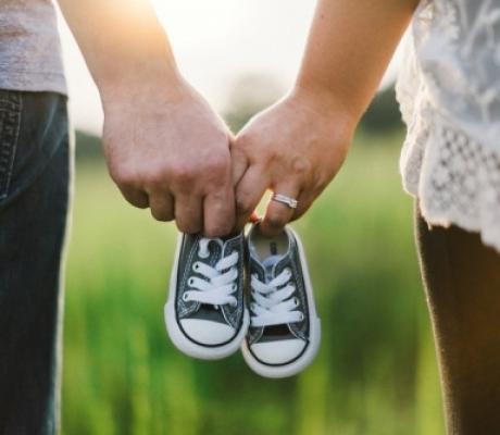 Giornata nazionale Psicologia, a Firenze focus sulla fertilità: natalità a picco e problemi per una coppia su 4