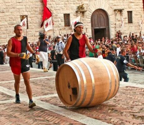 La Contrada di Voltaia vince il Bravio delle Botti 2014 di Montepulciano
