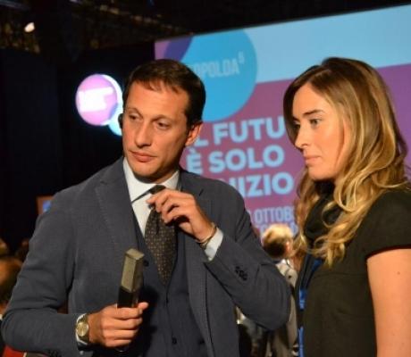 """#Leopolda5 100 tavoli di discussione, realtà imprenditoriali a confronto """"L'Italia ce la può fare"""""""